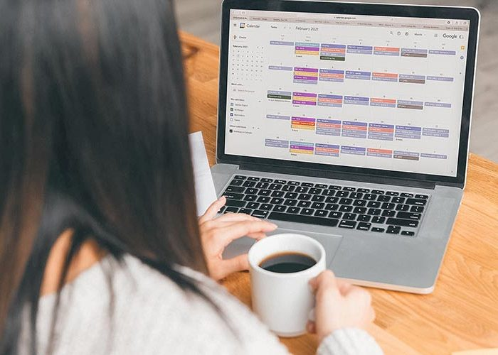 How to Create a Content Calendar that Supports Your Launches